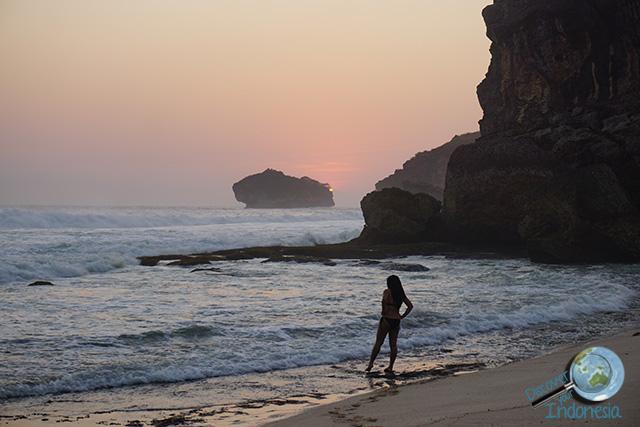 sunset beach pacitan indonesia