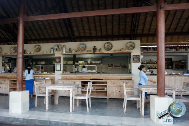 restaurant at lembongan beach club