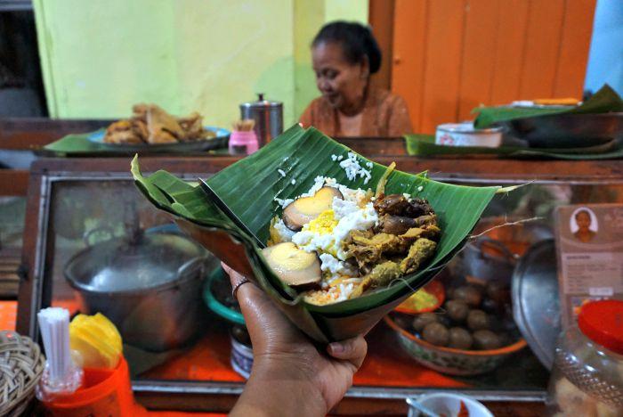 Nasi Liwet to eat in Surakarta