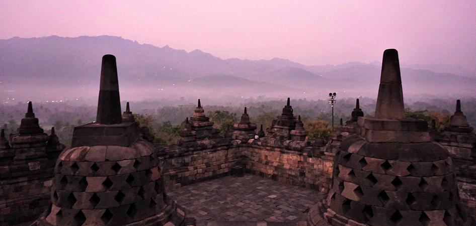 sunrise borobudur via manohara hotel