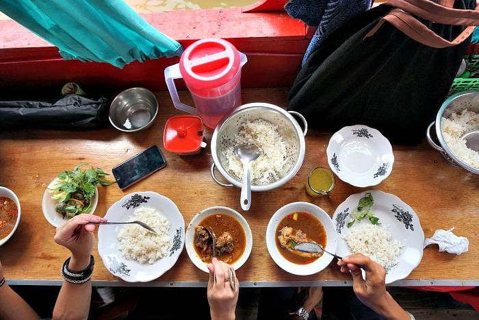 Pindang happiness at floating restaurant Palembang