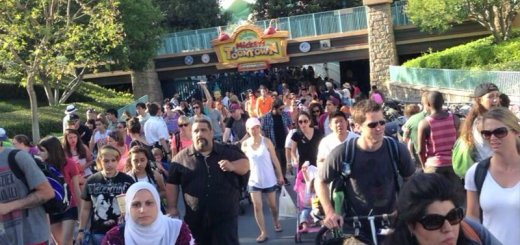 Toontown Dry Ice Explosion Crowds Exiting