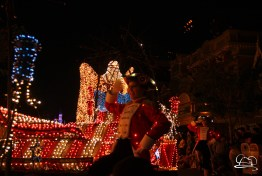 DisneylandMainStreetElectricalParade_45thAnniversary-76
