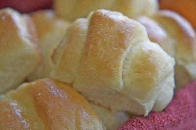 Sweet Dinner Roll Recipe- No Bread Machine | Divas Can Cook
