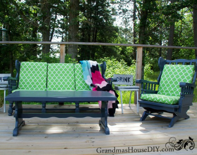Indoor-to-outdoor living room furniture makeover by Grandma's House DIY