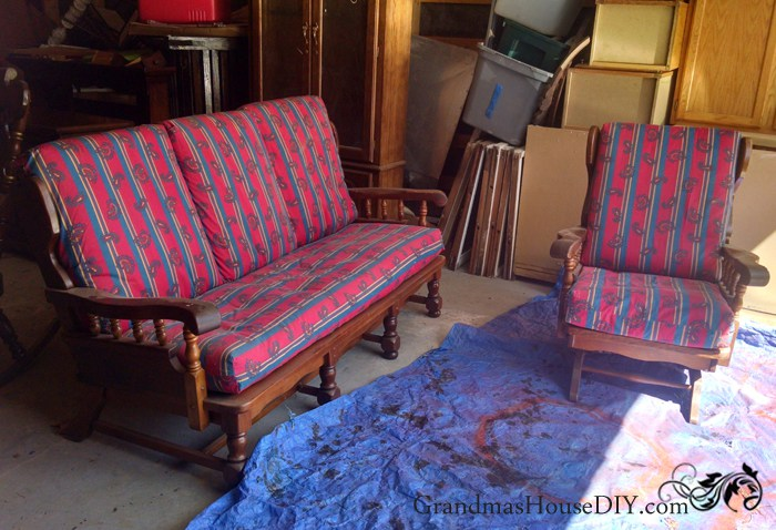 (Before) Indoor-to-outdoor living room furniture makeover by Grandma's House DIY