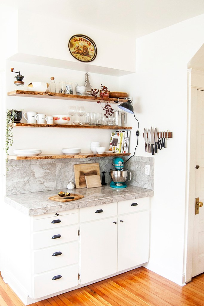 DIY kitchen makeover: white cabinets and open shelves