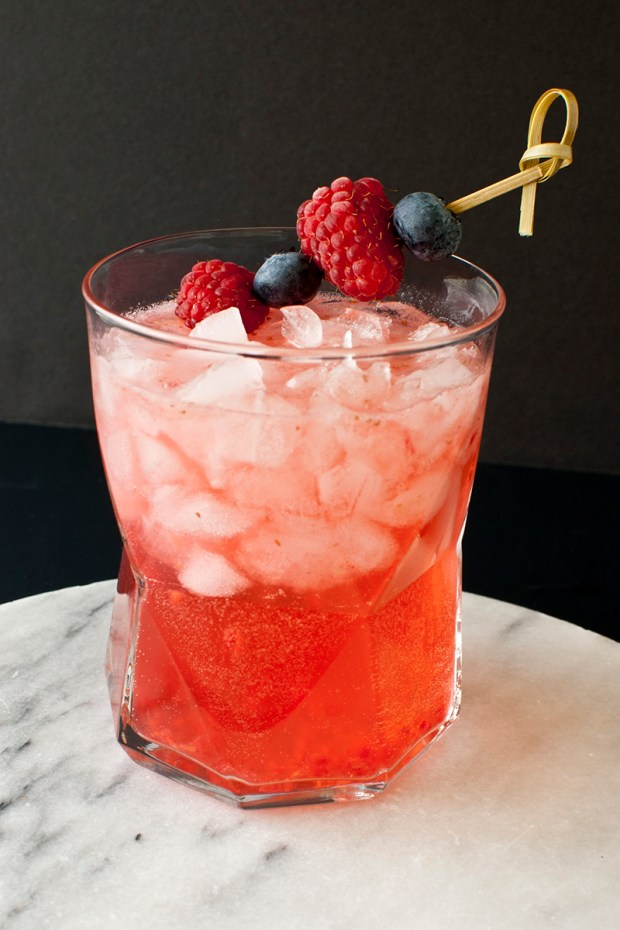 berry smash cocktail recipe