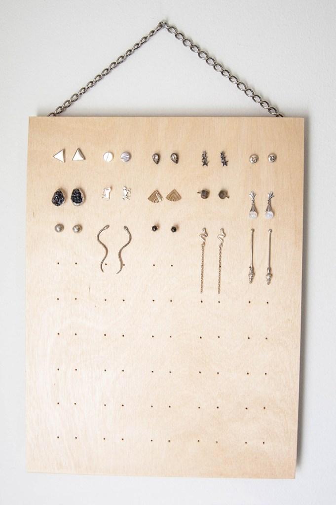 DIY stud earring rack