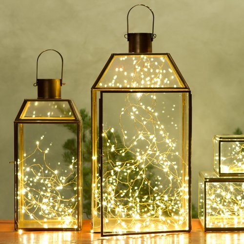 Simple DIY holiday decor ideas using white lights: lanterns + lights