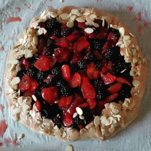 vegan plum blackberry thyme galette