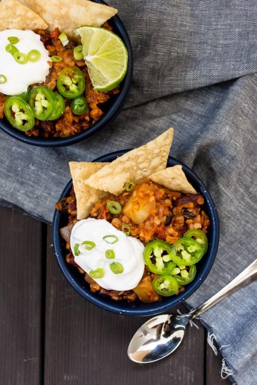 Easy slow-cooker farro sweet potato chili