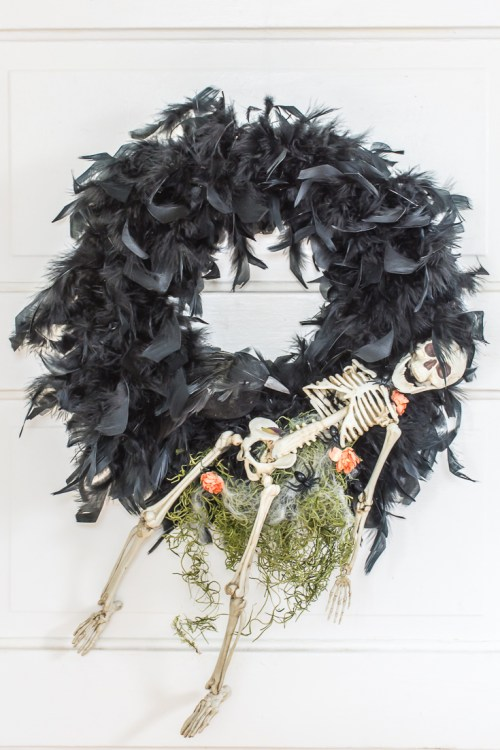 Creepy DIY Halloween Wreath - DIY in PDX