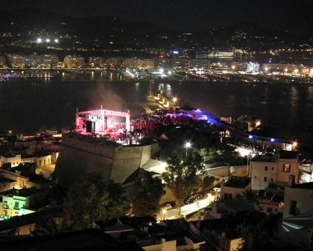 800px-International_Music_Summit_2011,_Ibiza