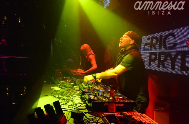 Eric_Prydz_totally_rocking_the_main_room!