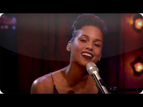 Alicia Keys performs the Gummy Bears Theme Song on Late Night with Jimmy Fallon