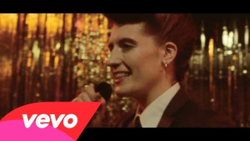 Calvin Harris feat Florence Welch- Sweet Nothing (Music Video)