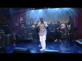 """Nas performs """"Daughters"""" on David Letterman"""