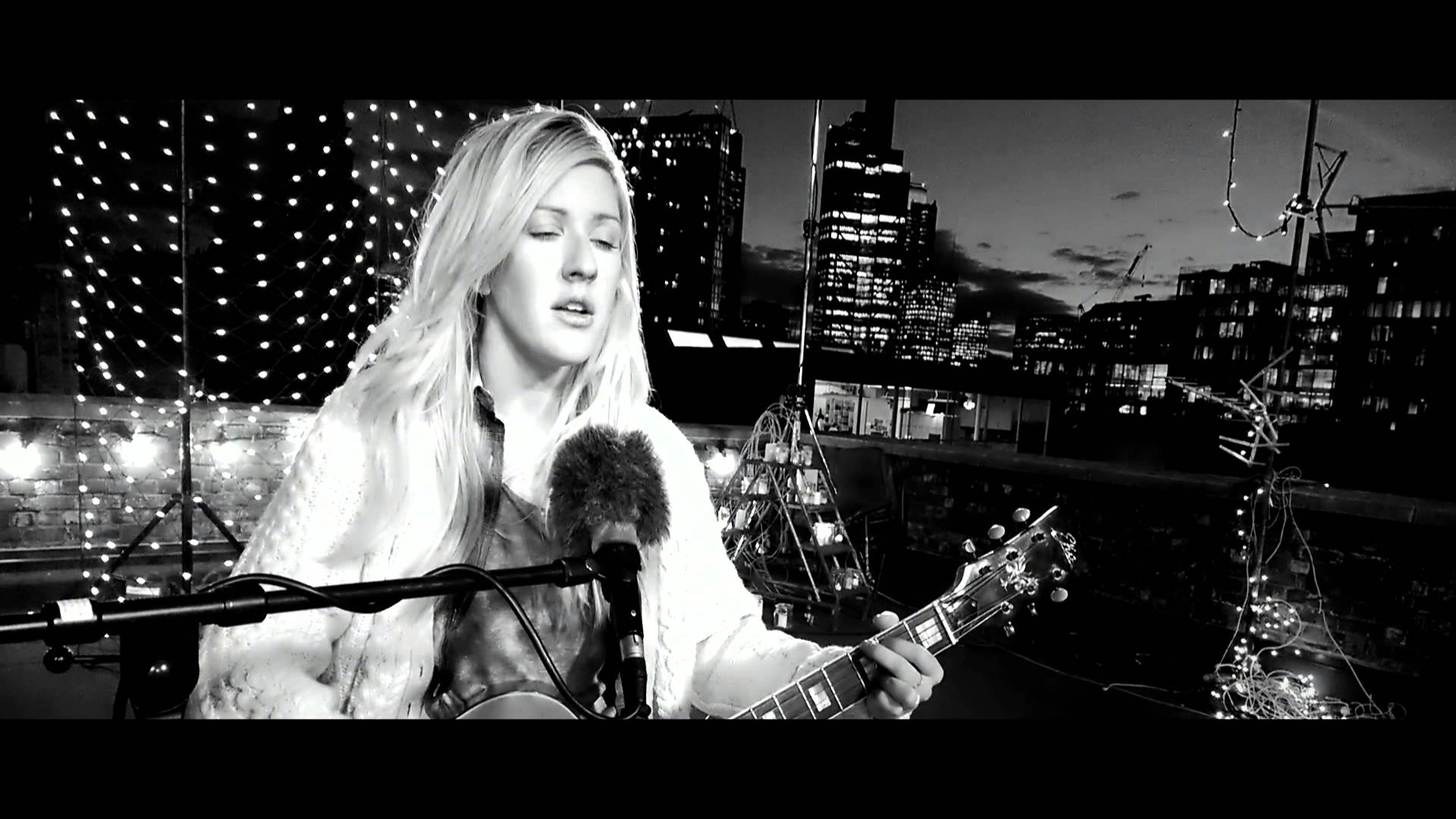 Ellie Goulding – How Long Will I Love You (Music Video)