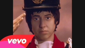 Daft Punk feat Julian Casablancas- Instant Crush (Music Video)