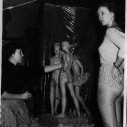 Ангелина Филиппова в мастерской на Большой Садовой. 1960-е гг.