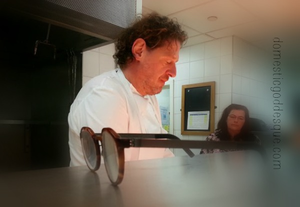 Marco Pierre white gets his glasses off