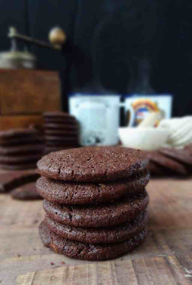 Chocolate coffee & cardamom cookies (biscuits) - Domestic Gothess