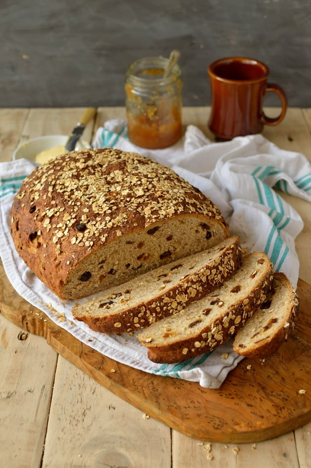 Muesli bread, hearty, healthy and filling - Domestic Gothess