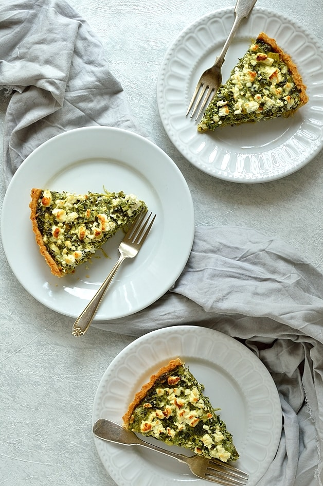 Spinach, ricotta and feta quiche (spanakopita tart)