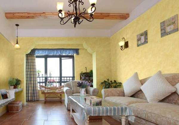 Pastoral-style-interior-decoration-with-yellow-wallpaper
