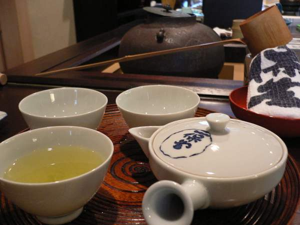 Japanese_traditional_tea_by_yomi955_in_Kyoto