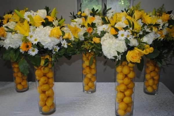 blue-and-yellow-flower-bouquets-yellow-flower-arrangements-for-weddings-800x535