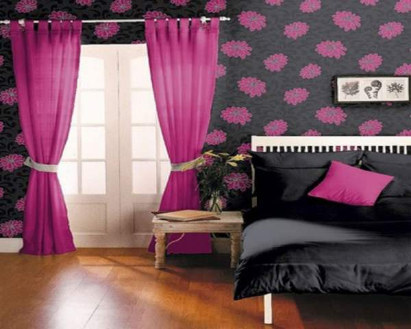 retro-black-white-and-pink-bedroom