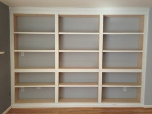 built-in-bookshelves-with-adjustable-shelves--UDU2Ny05NTc2MC4zMTkzNTY=