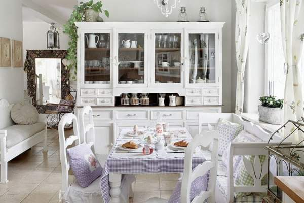 shabby-chic-villa-in-poland-romantic-interiors-white-home-interiors-11