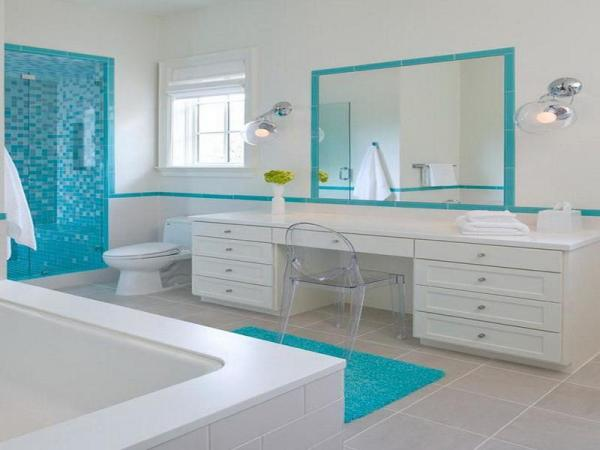 White-Blue-Beach-Bathroom-Decorating-Ideas
