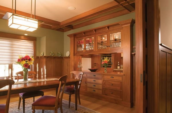 craftsman-style-dining-room-design-built-in-furniture-decorative-ceiling-beams