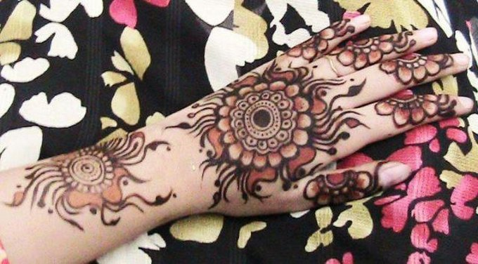 Left Hand Mehndi Designs
