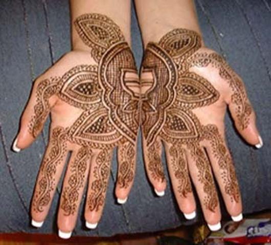2016 New Arabic & indian Eid Mehndi Designs For Girl