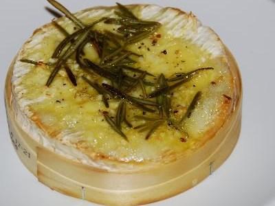 Macarrão com Camembert assado
