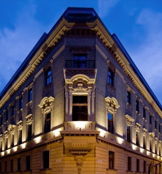 Hotel Palazzo Zichy at night-3