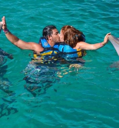 nadar com golfinho_-3