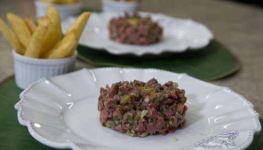 A melhor receita de Steak Tartare e batata frita