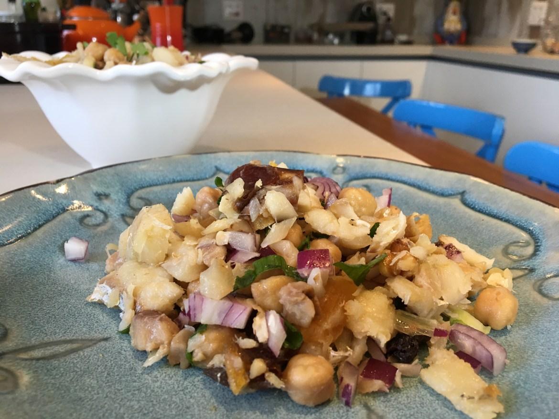 Salada de Bacalhau com frutas secas para o natal