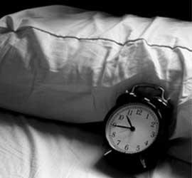 Las causas de dormir mucho o poco