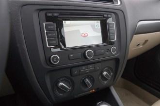 2014 Volkswagen Jetta 1.8T navigation system