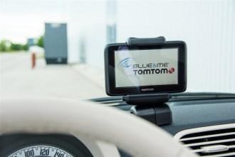 2014 Fiat 500C Lounge navigation