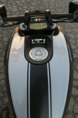 2015 Ducati Diavel Carbon tank