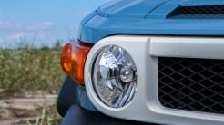 2014 Toyota FJ Cruiser headlight