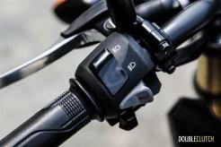 First Ride: 2015 Honda GROM controls